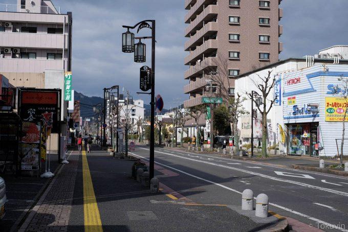 近江八幡の駅前通り(X-T1 + XF35mm F1.4R)