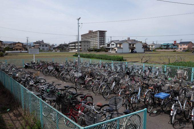 木太町駅の駐輪場(X-T1 + XF16mm F1.4R)