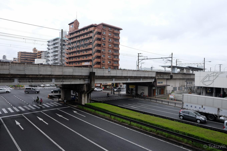 丹波口駅前の道路。