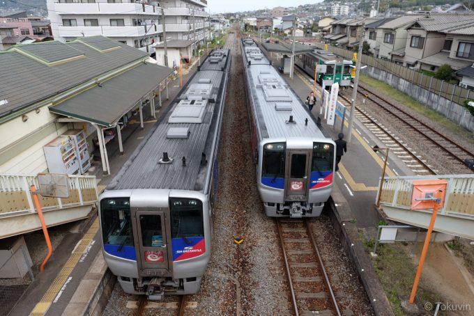 うずしお15号&16号&普通列車(X-T1 + XF16mm F1.4R)