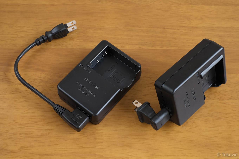充電器に短めコードと、L型タイプを装着しての比較。