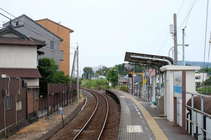 讃岐牟礼駅ホーム