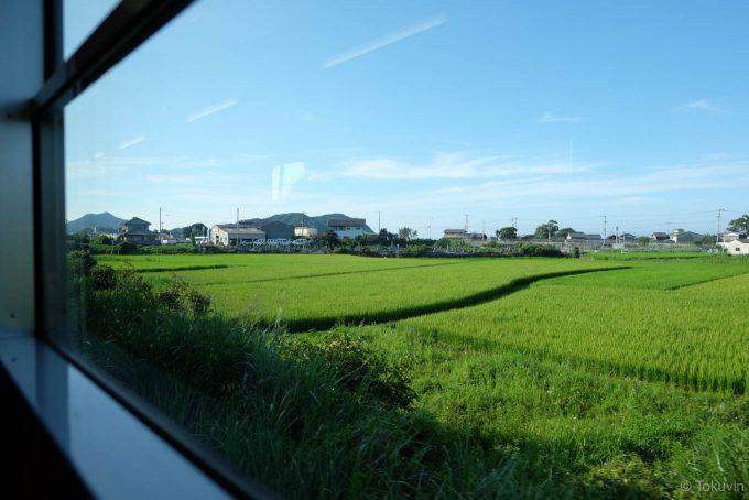 車窓に広がる田園