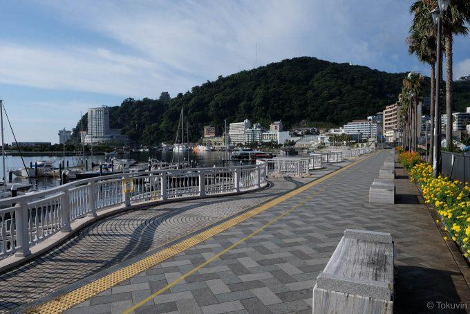 海沿いの遊歩道(X-T1 + XF16mm F1.4R)