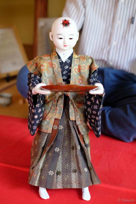 実演中の茶運び人形