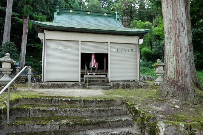 下塩津神社の拝殿