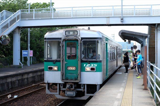 勝瑞駅に入線する4339D