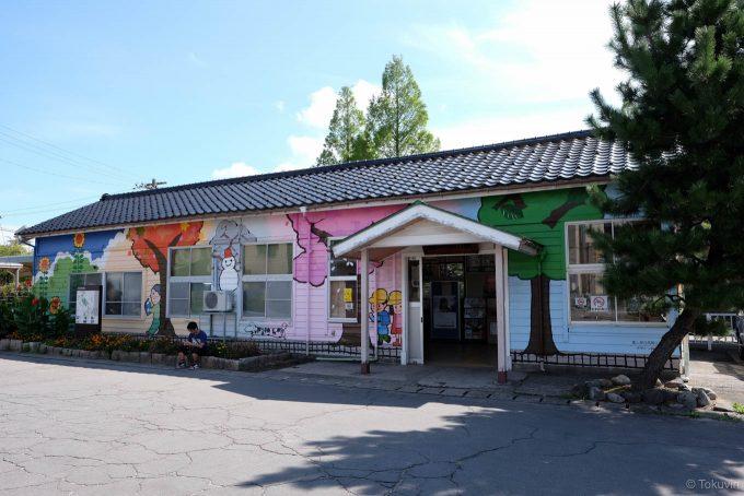 越中中川の木造駅舎