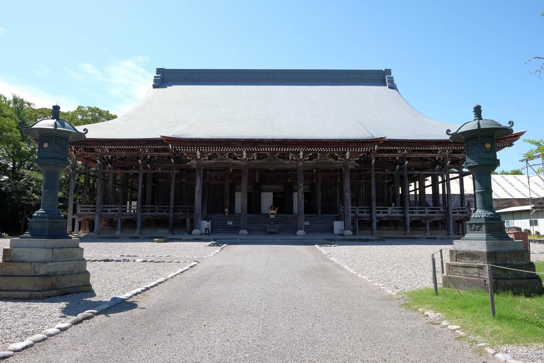 勝興寺本堂。