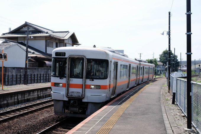 山田上口に入線する925C