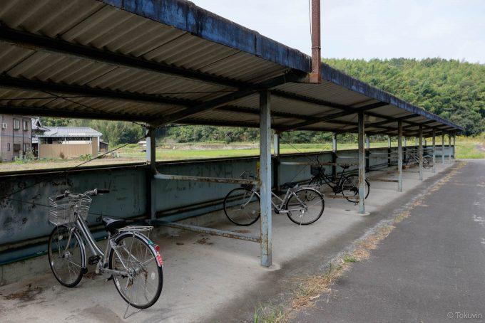 駅前の大きな自転車置き場