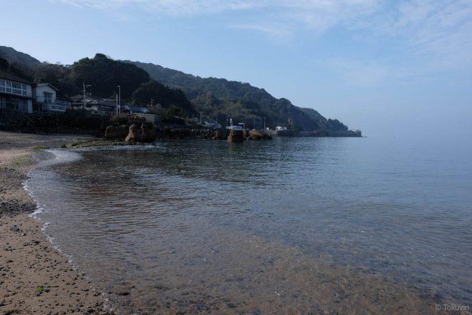 港付近の海岸 (X-T1 + XF16mm F1.4R)