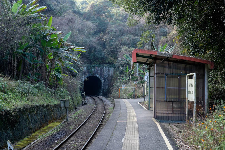 赤瀬駅ホーム。