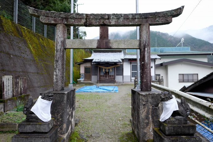 寄木三躰神社