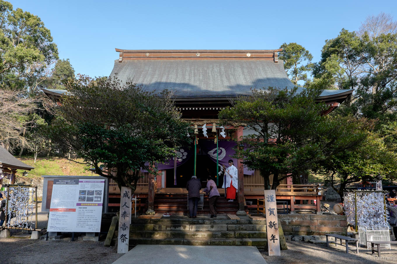 西岡神宮の拝殿。