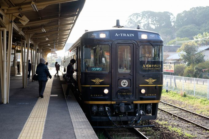 A列車で行こう 6号 (X-T1 + XF35mm F1.4R)