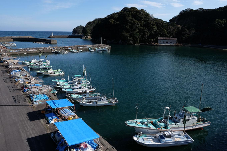 宍喰漁港。