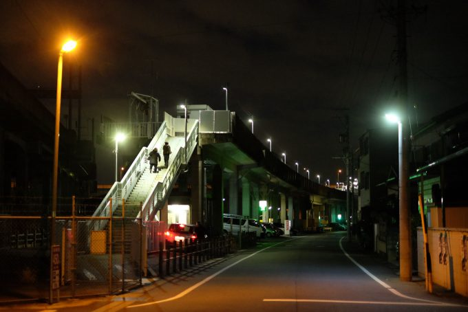 東海交通事業の勝川駅 (X-T1 + XF35mm F1.4R)