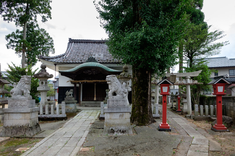 東郷の稲荷神社。