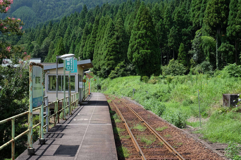 越前高田駅ホーム。