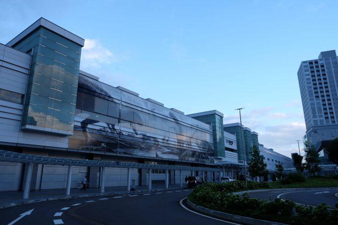 台風一過の福井駅 (FUJIFILM X-T1 + XF16mm F1.4R)