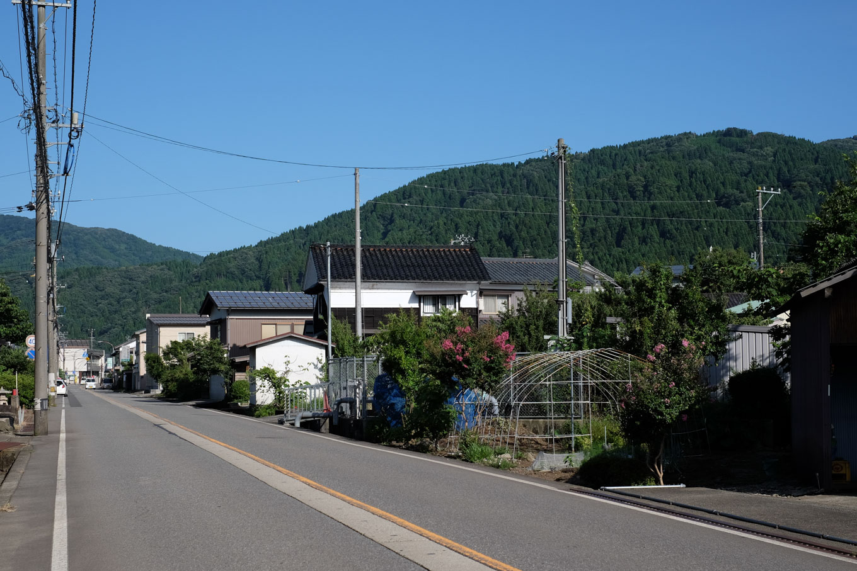 駅近くを通る国道。