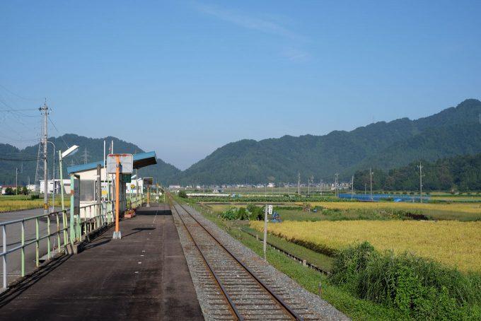 北大野駅ホーム (FUJIFILM X-T1 + XF35mm F1.4R)