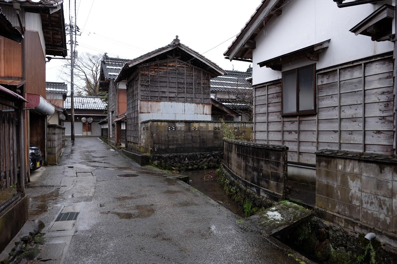 国分寺地区の家並み。