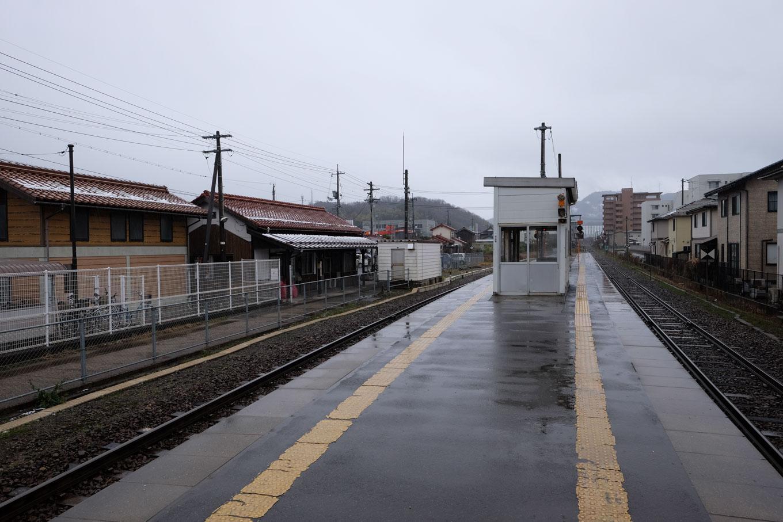 津ノ井駅ホーム。