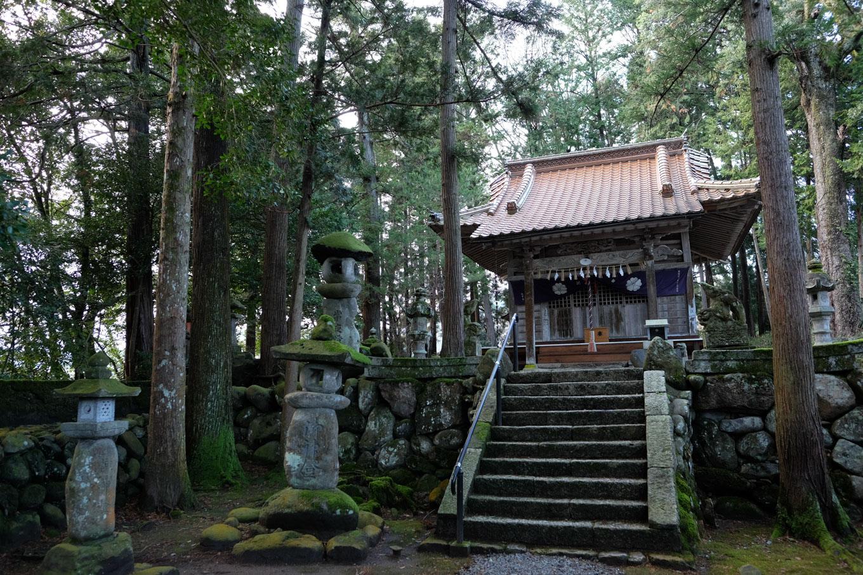 売沼神社拝殿。