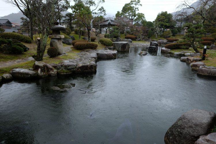 流しびなの館に併設された庭園 (FUJIFILM X-T1 + XF16mm F1.4R)