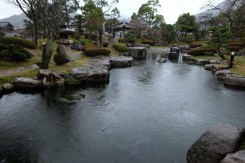 流しびなの館に併設された庭園。