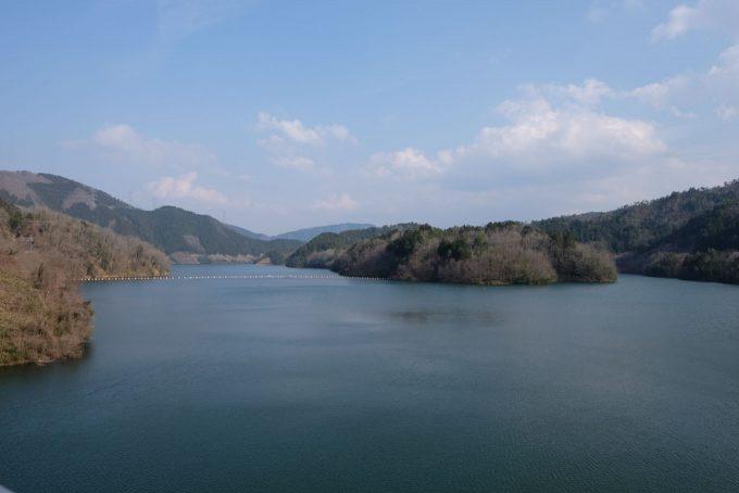 日吉ダムによって作られた天若湖 (FUJIFILM X-T1 + XF16mm F1.4R)