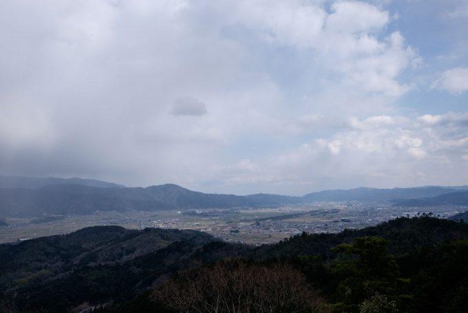 八木城跡から眺める亀岡盆地 (FUJIFILM X-T1 + XF16mm F1.4R)