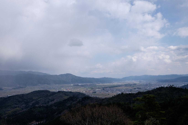 八木城跡から眺める亀岡盆地。