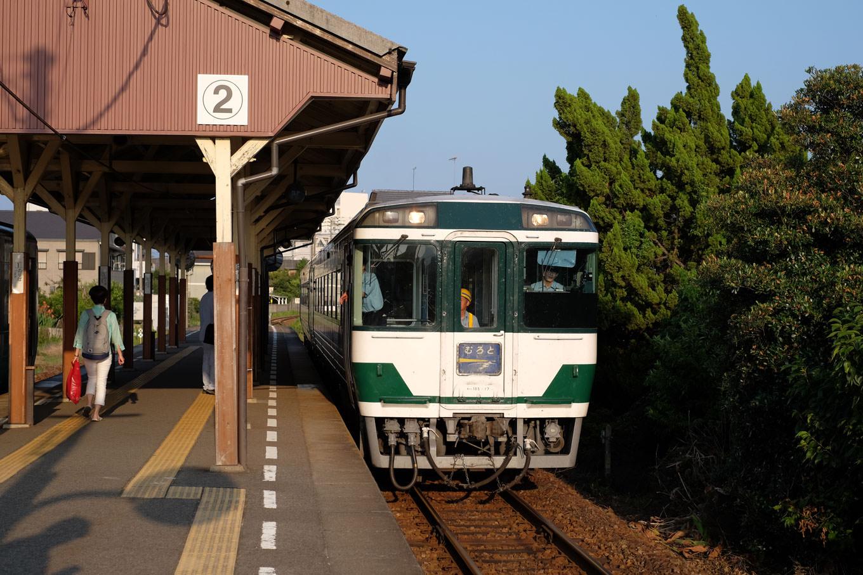 徳島行き 特急むろと6号。