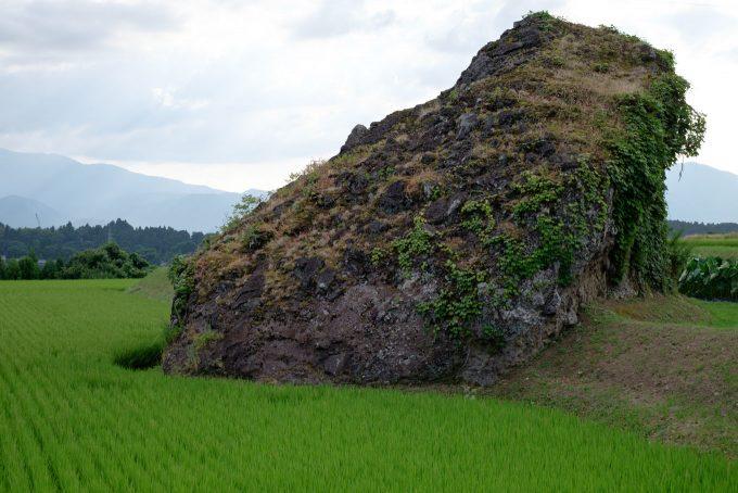 八町の獅子岩 (FUJIFILM X-T1 + XF35mm F1.4R)