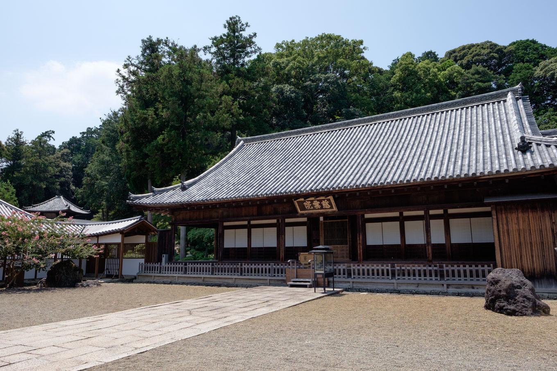 丈六寺本堂。