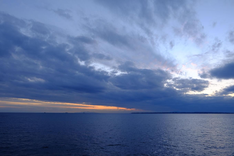 迎えた日没。