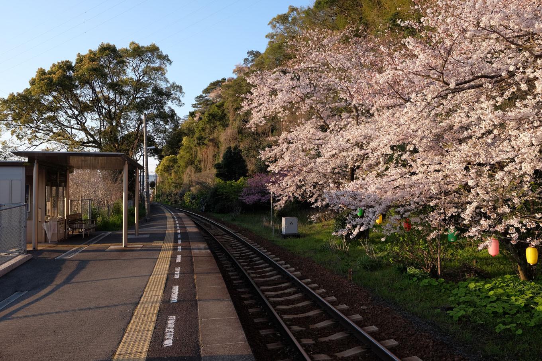 阿波赤石駅ホーム。
