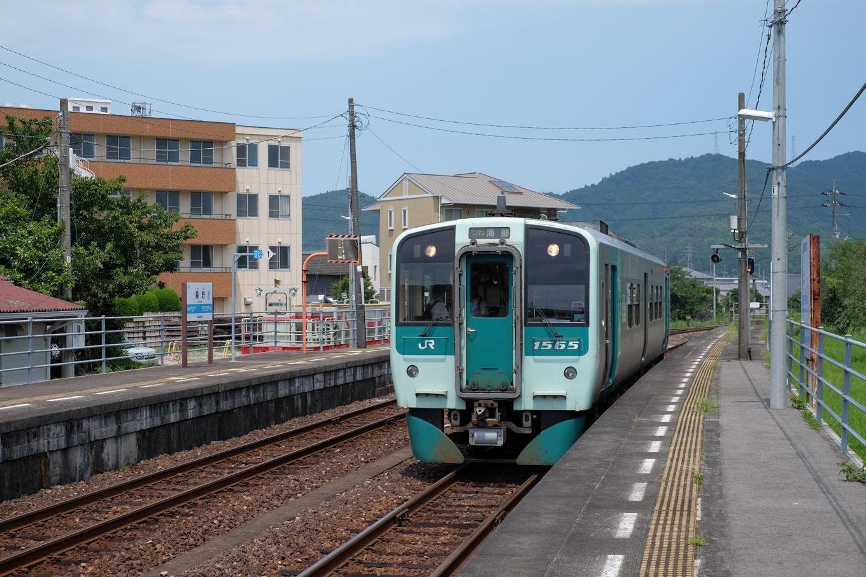 桑野駅に入線する、海部行き普通列車 4543D。