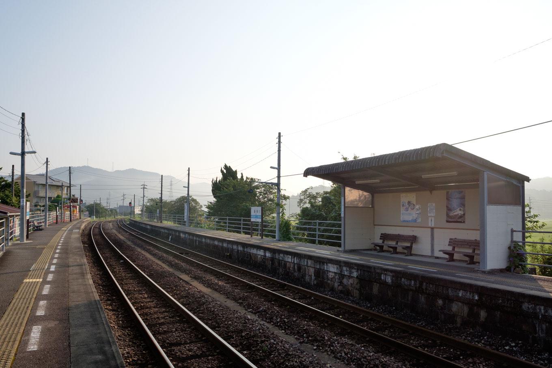 桑野駅ホーム。