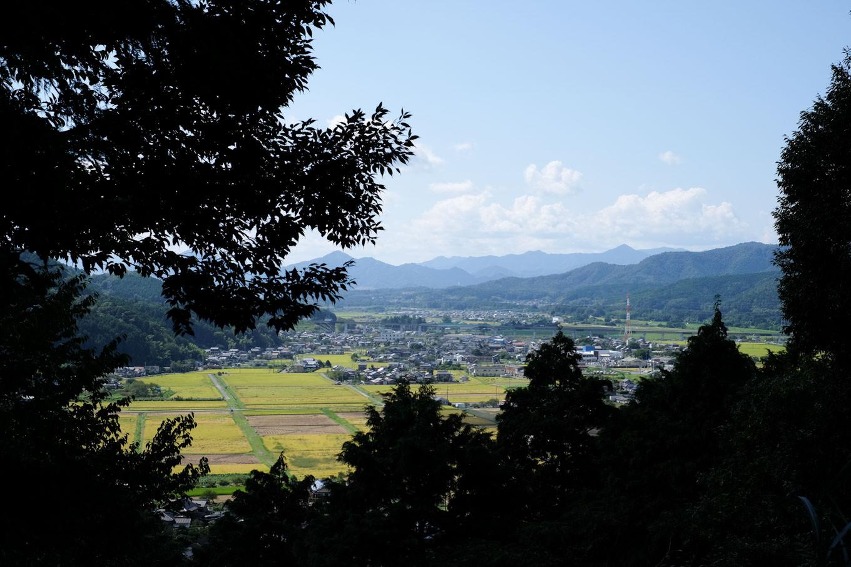 城趾から福知山方面の眺め。