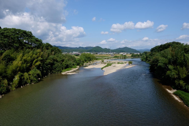 由良川を渡る。
