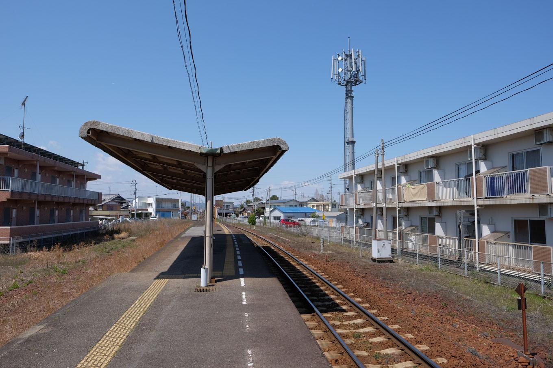 阿波中島駅ホーム。