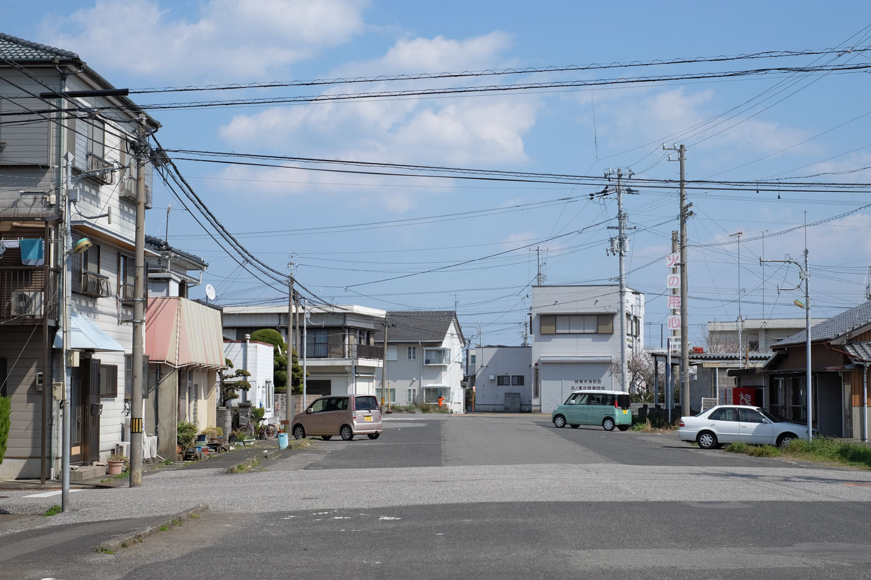 それらしい雰囲気を残す、かつての古庄駅前通り。