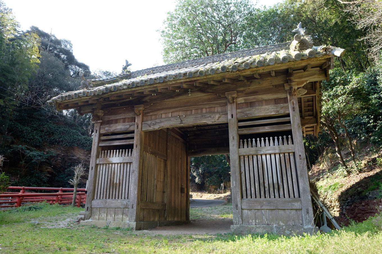 恩山寺道の先にある山門。
