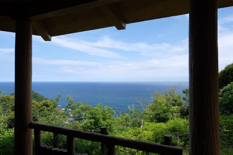 愛宕山休憩所から眺める太平洋。