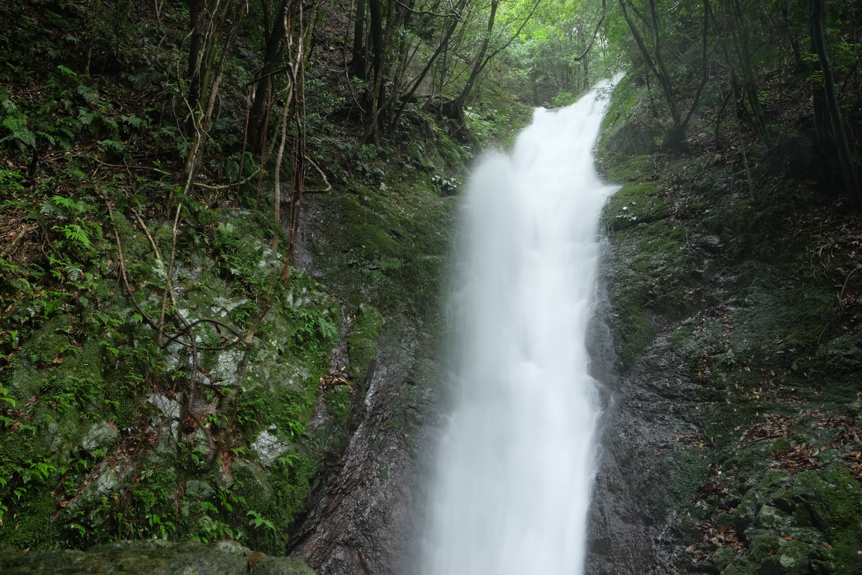 とどろの滝。