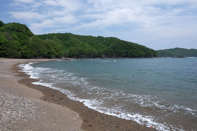 美しい砂浜と岬が交互に連なる八坂八浜。